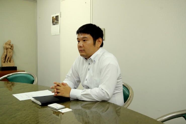 (西村さんは資材統括部で部品調達を担当している)